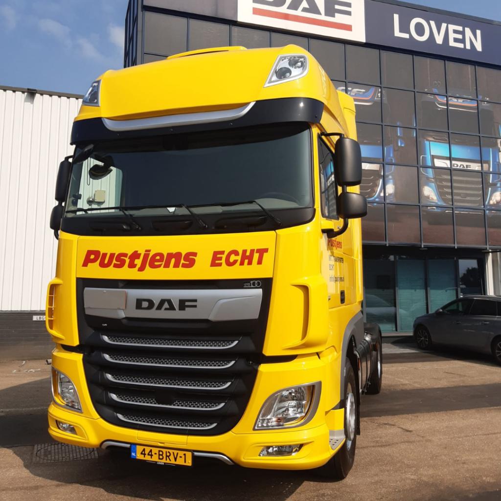 Pustjens Echt -Loven Trucks - DAF XF450 Super Space Cab