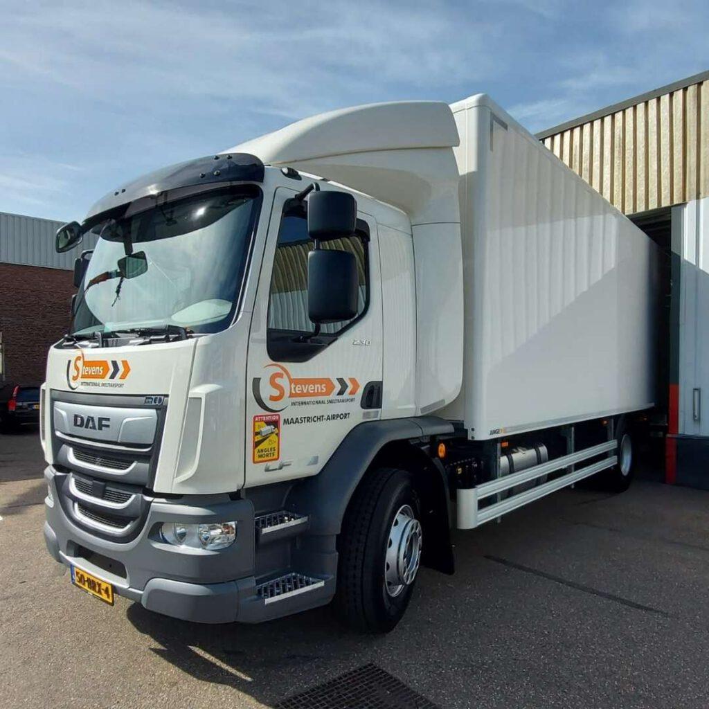 Stevens Transport - Loven Trucks - DAF LF230